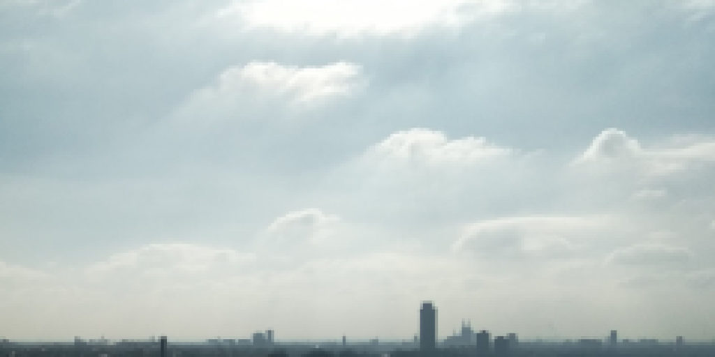 Wolken über Köln, verpixelt